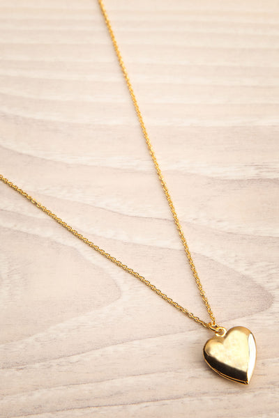 Geillis Gold Heart Necklace | Collier | La Petite Garçonne flat view