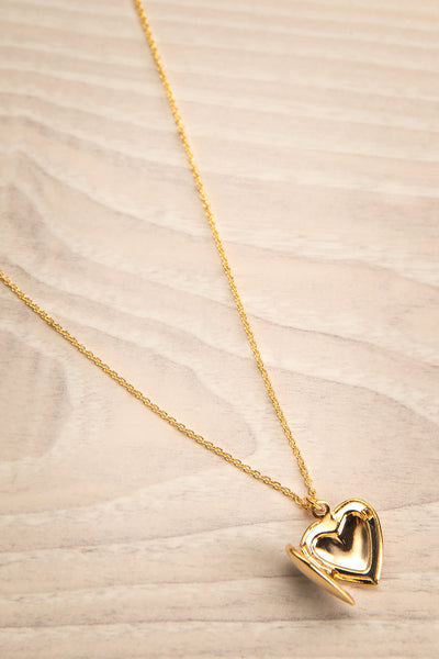 Geillis Gold Heart Necklace | Collier | La Petite Garçonne open view