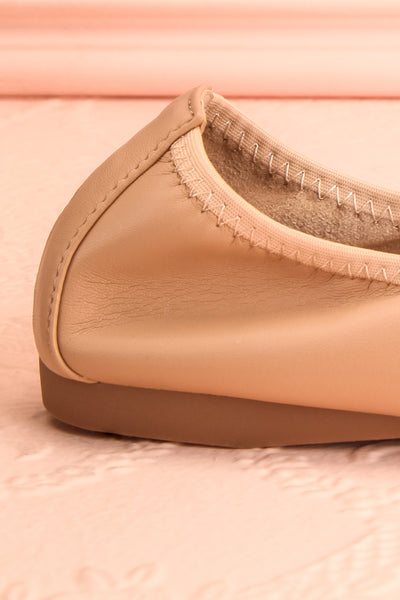 Gericault Beige Ballet Flats | Ballerines | Boutique 1861 side close-up