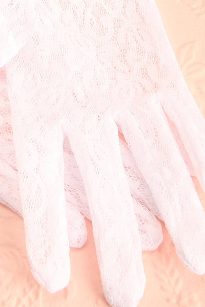 Gloriam Neige - Short white lace gloves with ruffle
