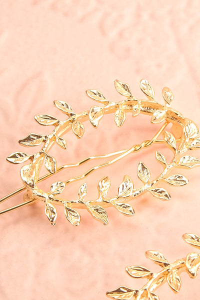 Hambourg Set of 2 Gold Leafy Wreath Hair Clips close-up | Boutique 1861