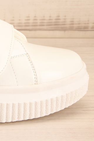 Harley White & Black Matt & Nat Sneakers side front close-up | La Petite Garçonne
