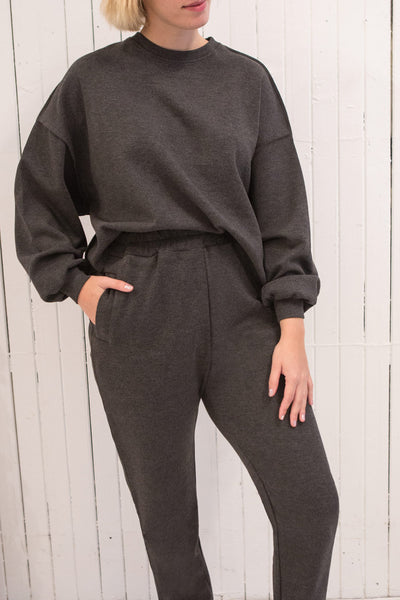 Hattem Black Oversized Sweater | La petite garçonne model