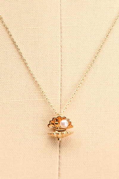 Hesperie Golden Sea Shell Pendant Necklace close-up | Boutique 1861