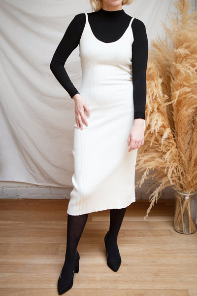 Hesses Ivory Ribbed Midi Dress | La petite garçonne model