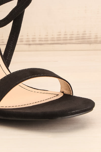 Hikari Black Sandals | Sandales Noires | La Petite Garçonne front close-up