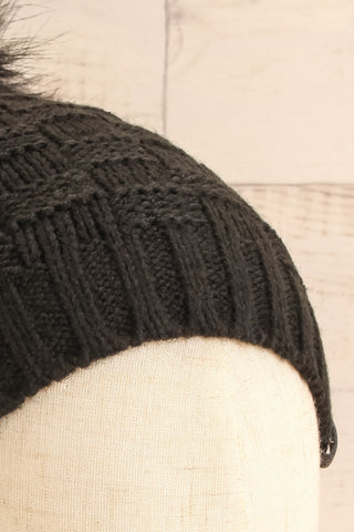 Honokaa Noir Black Tuque with Faux-Fur Pompom close-up | La Petite Garçonne