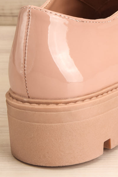 Itza Beige Pink Matt & Nat Oxford Shoes back close-up | La Petite Garçonne