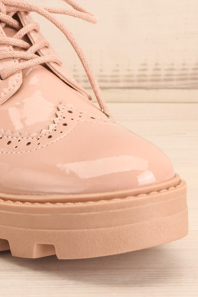 Itza Beige Pink Matt & Nat Oxford Shoes front close-up | La Petite Garçonne