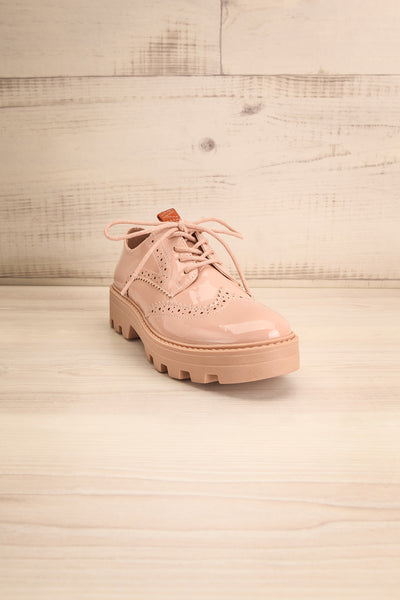 Itza Beige Pink Matt & Nat Oxford Shoes front view | La Petite Garçonne