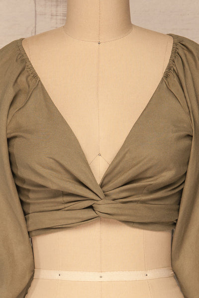 Jawor Khaki Knotted Crop Top | La petite garçonne front close-up twist