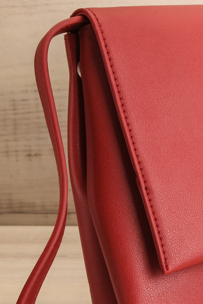 Jodith Red Faux-Leather Pixie Mood Handbag side close-up | La Petite Garçonne