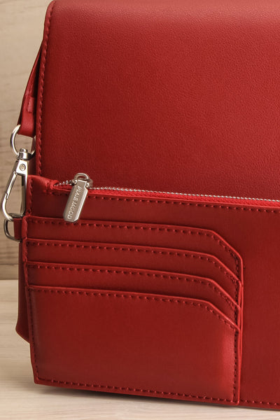 Jodith Red Faux-Leather Pixie Mood Handbag wallet close-up | La Petite Garçonne