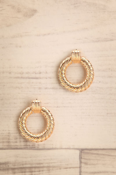 Keiss Or Gold Twisted Pendant Hoop Earrings | La Petite Garçonne