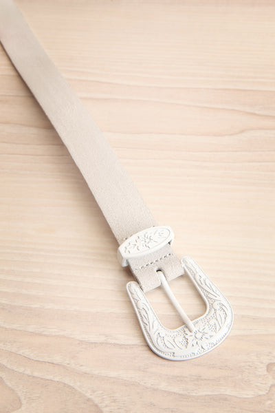 Khavari White Belt with Western-Inspired Buckle | La Petite Garçonne 3