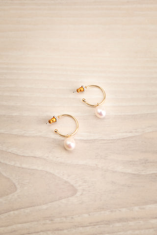 Kostelec Gold Hoop Earrings with Pearls | La Petite Garçonne