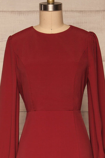 Krzywin Burgundy Dress | Robe Bourgogne front close up | La Petite Garçonne
