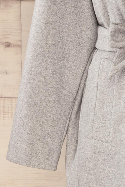 Krzyz Grey Open Felt Coat with Belt | La petite garçonne sleeve