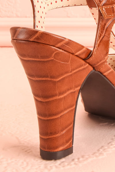 Laurentine Brown Retro Heels | Talons Rétro | Boutique 1861 back close-up
