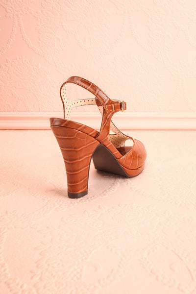 Laurentine Brown Retro Heels | Talons Rétro | Boutique 1861 back view