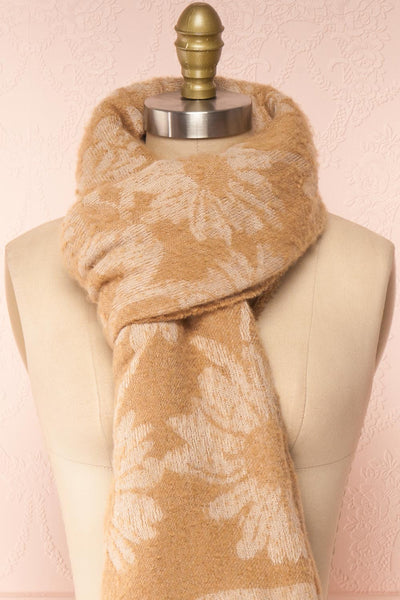 Le Bal Beige Soft Knit Scarf | La petite garçonne close-up