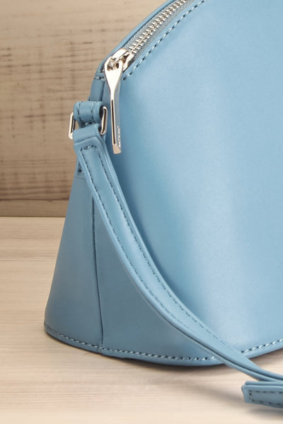 Leona Bleu Matt & Nat Crossbody Bag | La petite garçonne side close-up