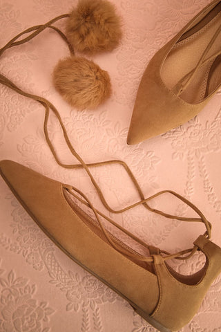 Luxor Beige - Laced ballerinas with pompoms