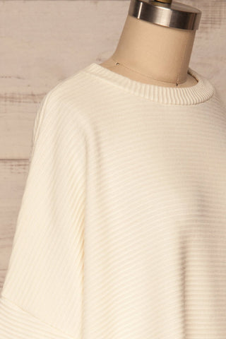 Magan Cream Knit Sweater | Tricot side close up | La Petite Garçonne