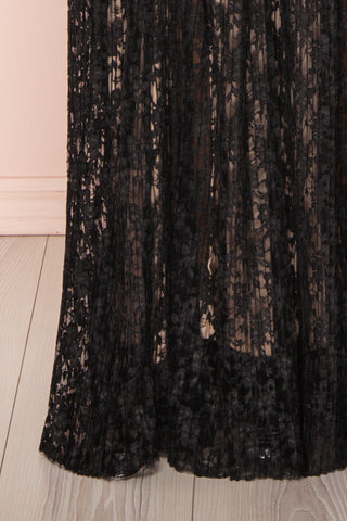 Mairead Black Maxi Dress | Robe longue | Boutique 1861 bottom close-up