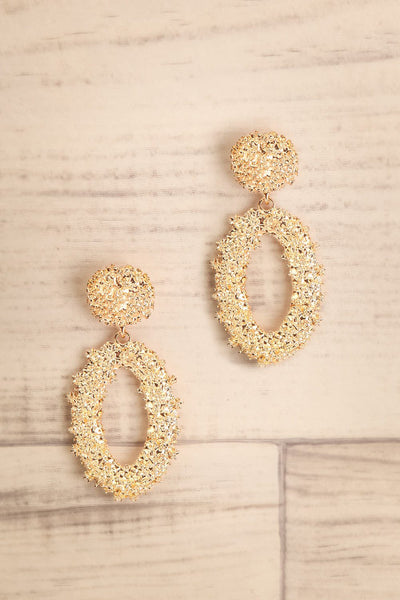 Makowki Or Gold Textured Pendant Earrings | La Petite Garçonne
