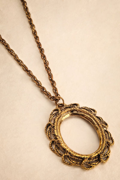 Margaret de Windsor ~ Vintage Gold Pendant Necklace | Boudoir 1861