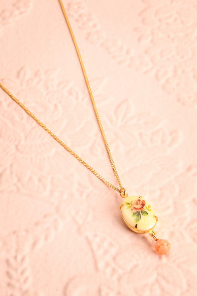Marie Doro White & Golden Floral Pendant Necklace | Boutique 1861 1