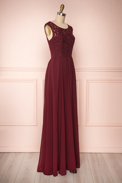 Marnie Burgundy Lace Gown | Robe Longue side view | Boudoir 1861