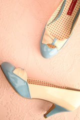 Medellin - Light blue and cream glossy heeled shoes