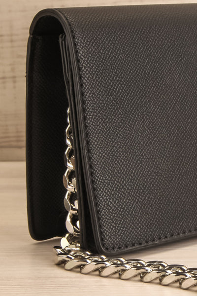 Miley Black Purse w/ Metal Chain Strap | La petite garçonne side close-up