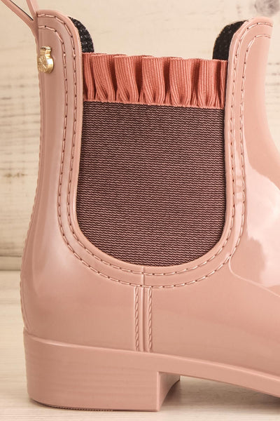 Morand Dusty Pink Rain Boots | Bottes | La petite garçonne side close-up