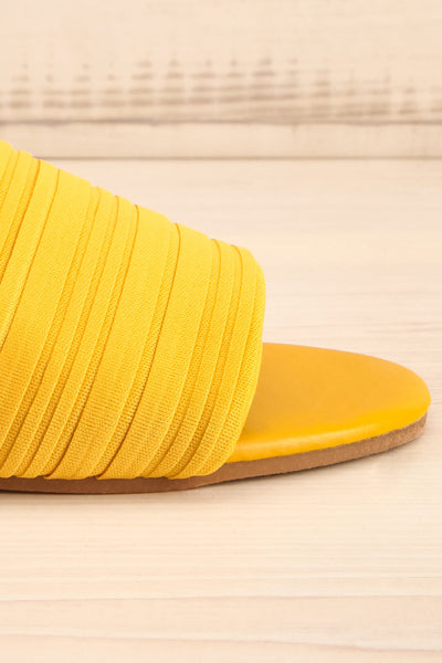 Mox Yellow Pleated Slide Sandals | La petite garçonne side close-up