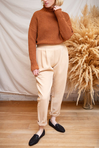 Murcie Orange Turtleneck Knitted Sweater | La petite garçonne model
