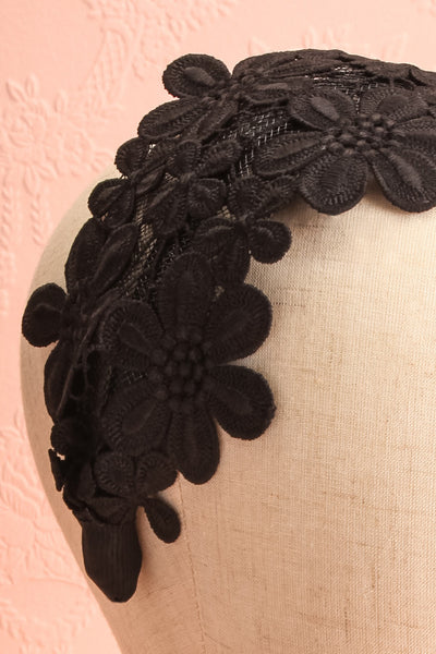 Naemi Noir Black Floral Lace Headband on mannequin close-up | Boutique 1861
