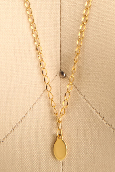 Nika Gold Pendant Necklace | Collier | La Petite Garçonne close-up