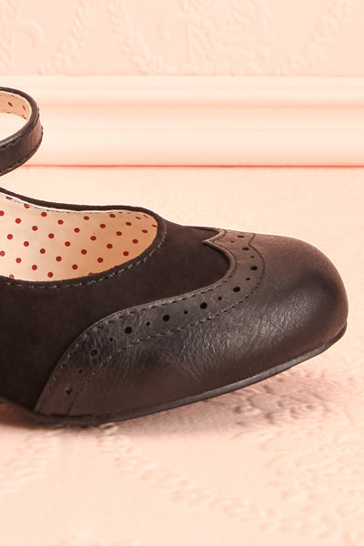 Noortje Black Art Deco Heels | Chaussures | Boutique 1861 side close-up