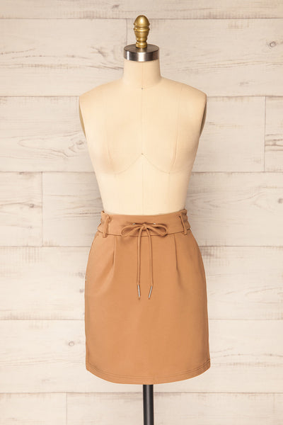 Olkusz Camel High-Waisted Short Skirt | La petite garçonne front view