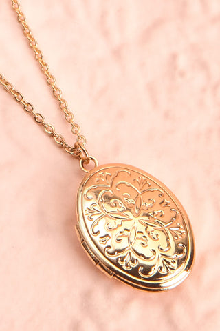 Orme Golden Oval Locket Pendant Necklace | Boutique 1861 4