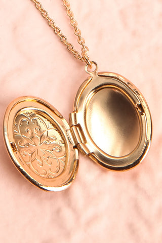 Orme Golden Oval Locket Pendant Necklace | Boutique 1861 2
