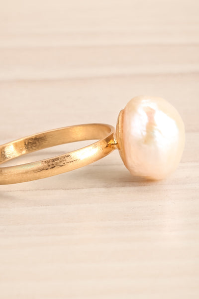 Ottignaga Golden Adjustable Ring with Pearl | La Petite Garçonne 3