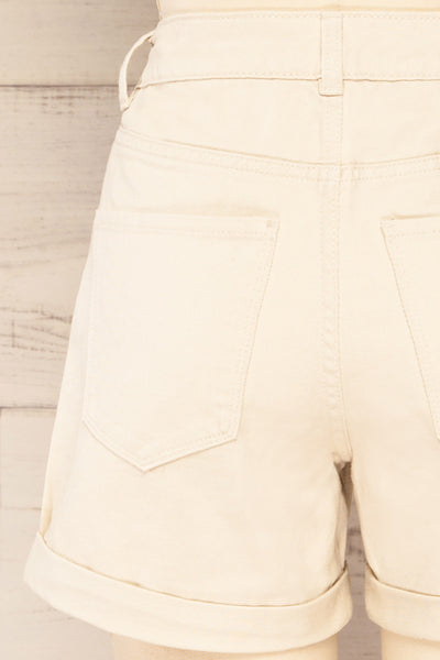 Park Beige High-Waisted Denim Shorts | La petite garçonne back close-up