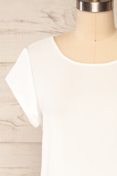 Perth White Crepe Short Sleeve Blouse | La petite garçonne front close up