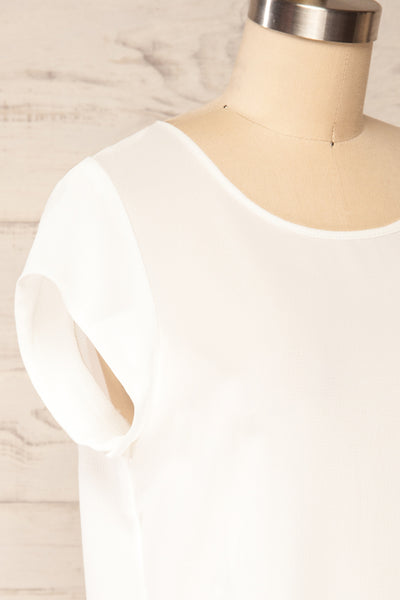 Perth White Crepe Short Sleeve Blouse | La petite garçonne side close up