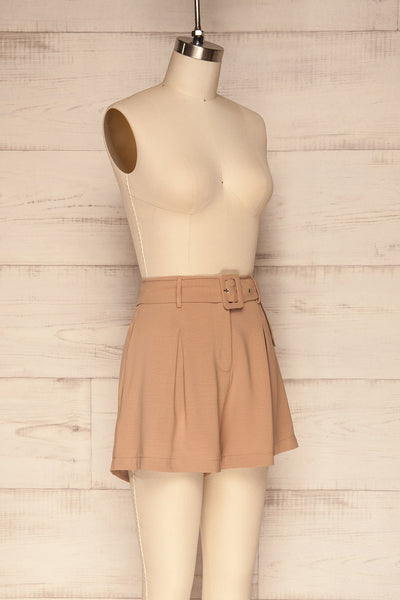 Pitesti Beige High Rise Shorts | La Petite Garçonne side view