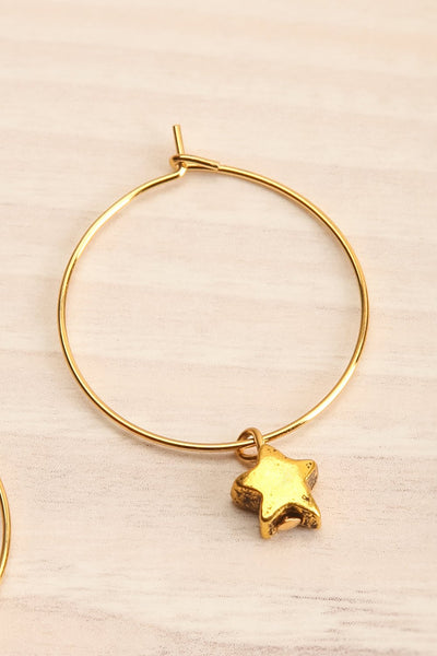 Pixie Gold Hoop Earrings | Anneaux | La Petite Garçonne star close-up